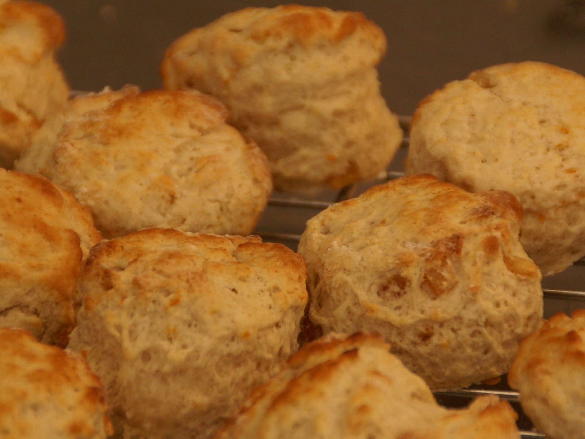 Scones apricot and walnut